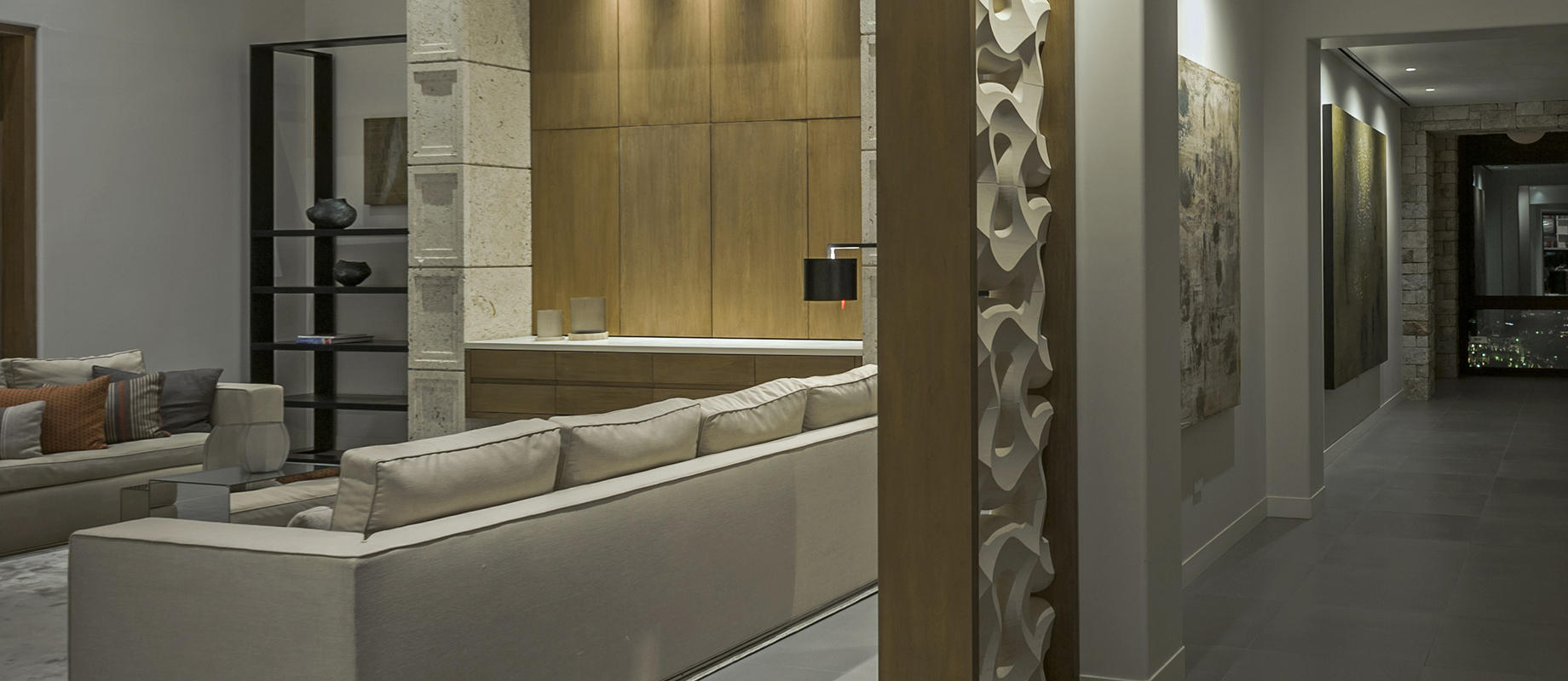 LithosDesign_traccia_marble_rom_divider_for_interiors_